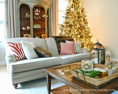 The Chronicles of Home: Christmas House Tour