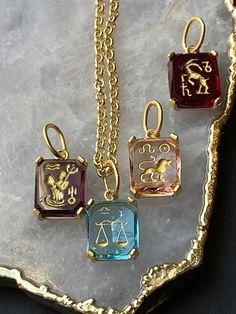 Zodiac Intaglio Necklace, Capricorn, Libra, Aquarius, Leo Aquarius And Libra, Zodiac Capricorn, Zodiac Jewelry, Gold Necklace, Pendant Necklace, Zodiac Signs, 18k Gold, Leo, Cancer
