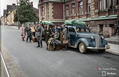 Tauno Palo viihdytysjoukoista, Helsingissä 1943  Wartime Entertainment Group in Helsinki 1943