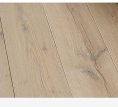 How to make pine look like white oak! Pine Stain Colors, Floor Stain Colors, Stain On Pine, Oak Stain, Paint Colors, Walnut Stain, Staining Pine Wood, Oak Hardwood Flooring, Whitewash Wood