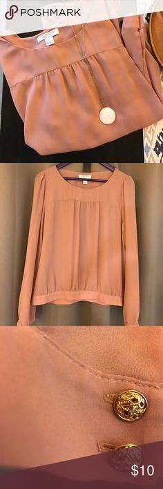 Forever 21 Blouse Forever 21 Essentials top. Perfect for work or a dinner. Size large. 100% polyester. Forever 21 Tops Blouses