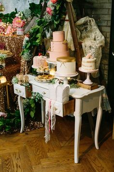 Whimsical meets shabby chic wedding dessert table | Image by A Brit & A Blonde