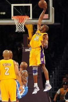 Kobe Bryant goes sky high for a one handed stuff. Kobe Bryant Quotes, Kobe Bryant 8, Kobe Bryant Family, Lakers Kobe Bryant, Michael Jordan Pictures, Kobe Mamba, Kobe Bryant Pictures, Kobe Bryant Black Mamba, Basketball Photography