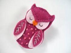 La broche hiboux en feutrine / felt owl brooch