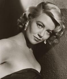 Dorothy Malone est une actrice américaine, née le 30 janvier 1925 à Chicago, Illinois