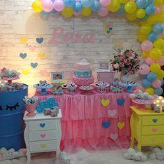 Porque terça também é dia de festa... E hoje está chovendo amor no 1° aninho da Lara ♡♡♡ . . #ciadafestacabofrio #festafofa❤ #festainfantil #festachuvadeamor #chuvadeamor #chuvadebencaos #afestaquequero #decoracaochuvadeamor #decoraçãolinda #inspiresuafesta #decoracaocriativa