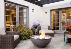 Urth: The Classi Fire Pit Reinvented – Brown Jordan Fires - winter garden 5 Outdoor Fire, Indoor Outdoor, Outdoor Living, Outdoor Decor, Outdoor Furniture Stores, Brown Jordan, Patio Makeover, Home Landscaping, Outdoor Settings