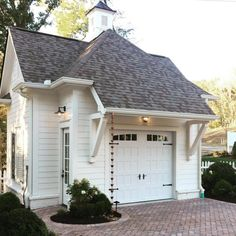 Have you ever? The cutest garage! Via @hatcliffconstruction ... I could live in this.