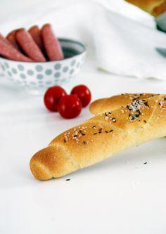 Salzstangerln Backen, Gebäck, Schürzenfräulein!! Hot Dog Buns, Hot Dogs, Snacks Für Party, Pastries, Pizza, Keto, Amigos, Breads, Finger Food