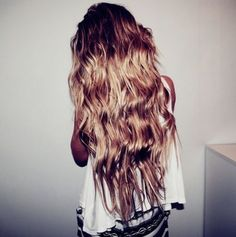 mermaid hair. PATIENTLY waiting for my hair to get this LONG ! already have the wave <3