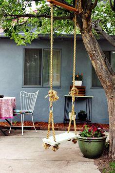 Поделки для сада - садовые качели своими руками