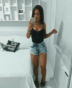 ideas for fashion teenage hipster summer Look Short Jeans, Jean Short Outfits, Look Con Short, Girl Fashion, Fashion Looks, Fashion Outfits, Womens Fashion, Style Fashion, Summer Outfits