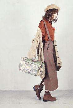 Trousers with matching braces, mori kei girl style Tokyo Street Fashion, Japanese Street Fashion, Japan Fashion, Style Grunge, Soft Grunge, Forest Fashion, Autumn Fashion, Grunge Outfits, Fashion Outfits