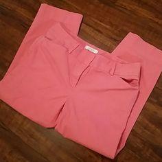 NWOT Loft coral pants Never worn size 6 cute summer crop pants from Loft. Side pockets.  23 inch inseam LOFT Pants