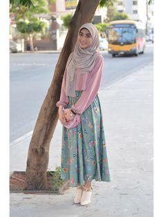 Modern Hijab Fashion, Arab Fashion, Muslim Fashion, Fashion Women, Hijab Style, Hijab Chic, Skirt Fashion, Fashion Dresses, Hijab Fashionista