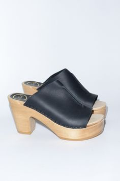 Open Toe Platform Clog in Black