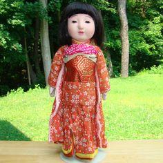 AMERICAN BEAUTY DOLLS on Ruby Lane http://www.rubylane.com/item/238260-1716520/Japanese-Gofun-Ichimatsu-Girl-Play #antiquedoll
