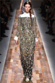 Sfilata Valentino Paris - Collezioni Autunno Inverno 2013-14 - Vogue