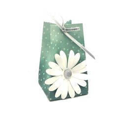 Stampin' Up! Demonstrator Pootles - Big Daisy Small Bag! Using Delightful Daisy. Click throguh for more details and video tutorial