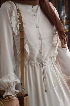 Hijab styles 659073726694334763 - Lady Taş Rengi Elbise Source by Modern Hijab Fashion, Abaya Fashion, Muslim Fashion, Hijab Style Dress, Casual Hijab Outfit, Casual Dresses, Abaya Style, Abaya Mode, Sleeves Designs For Dresses