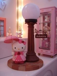 this is the cutest lamp I have seen that has to do with Hello Kitty…I would love to find this for a special girl Sanrio Hello Kitty, Hello Kitty Lampe, Hello Kitty Bathroom, Hello Kitty Items, Wonderful Day, Here Kitty Kitty, Kitty Cafe, Hello Kitty Collection, Sanrio Characters