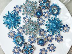 All rhinestone are real crystal glass rhinestone,very amazing! Perfect for your Craft DIY Supplies! QTY: 40 Pieces flat back buttons + Brooches with pin) Measurements (approx): The biggest brooch : 52 The smallest brooch: The Payment: I accept payment Rhinestone Jewelry, Vintage Rhinestone, Vintage Brooches, Vintage Jewelry, Broschen Bouquets, Wedding Brooch Bouquets, Crystal Brooch, Crystal Rhinestone, Custom Jewelry