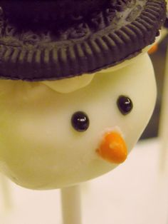 snowman oreo cake pop CHRISTMAS.