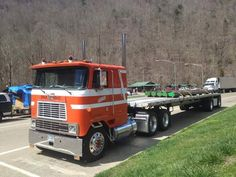 International COE with flatbed