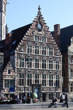 https://displacedwanderer.wordpress.com/2016/03/28/spring-roadtrip-stop-1-gent/ #visitgent gent ghent belgium europe roadtrip visit citytrip travel tourism