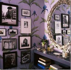 I love the vintage look wallpaper Baños Shabby Chic, Shabby Chic Homes, Interior Exterior, Home Interior Design, Granny Chic Decor, Art Nouveau Wallpaper, Look Wallpaper, Print Wallpaper, Orchid Wallpaper