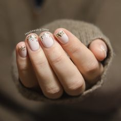 handstands & glitter: [Lieblingsbuntes] Essie - Tuck it in my Tux & Rock at the Top