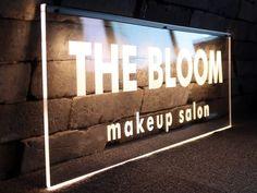 볼드한 폰트로 심플하게 디자인된 쇼윈도 행거형 또는 벽면부착형 아크릴led사인 aka 아크릴네온사인 입니다. Makeup Salon, Salons, Broadway Shows, Cinema, Bloom, Movie Theater, Lounges, Movies, Cinematography