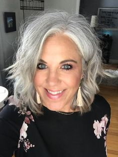 Jen Smith transitioned from a dark brunette beauty to a silver-haired sensation known as Check out why she ditched the dye and decided to go gray. Grey Hair Over 50, Long Gray Hair, Silver Grey Hair Gray Hairstyles, Grey Hair Natural, Gray Hair Women, Gray Silver Hair, Short Silver Hair, Grey Hair Styles For Women, Black Women