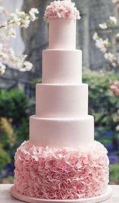 Wedding cake idea; Featured Photographer: Ikonica