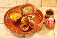 6 Famous Dishes People Eat for Breakfast in Bihar Gujarati Recipes, Indian Food Recipes, Ethnic Recipes, Turkish Baklava, Desi Ghee, Nigella Seeds, Vegetable Seasoning, People Eating, Breakfast Dishes