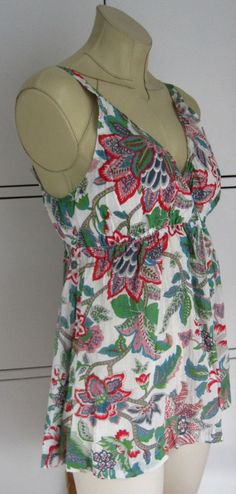 Marilyn Moore With Love UK14 fine cotton, Large Hibiscus floral summer top.