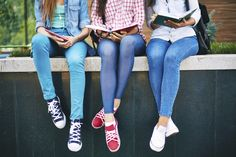 The type of critical reading skills needed in high school can make the transition into the ninth grade a challenge, so some educators in Nashville are rethinking the curriculum. Study Skills, Reading Skills, Teaching Reading, Learning, Middle School, High School, Ninth Grade, English Activities, Literacy Activities
