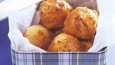 Μίνι muffins με μπέικον, πράσο και τυρί