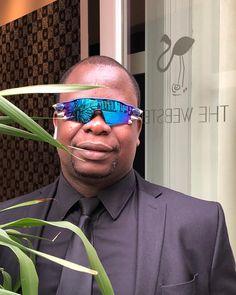 VETEMENTSさんはInstagramを利用しています:「#VETEMENTSxOAKLEY @thewebster @thewebsterman」 Oakley Radar Ev, Mirrored Sunglasses, Mens Sunglasses, Instagram, Modern Townhouse, My Dream House, Modern Contemporary, Man Sunglasses