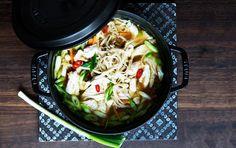 Kyllingesuppe med nudler - lavet med ingefær og chili!