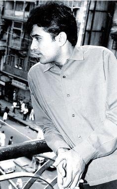 First and biggest superstar of Bollywood The phenomenon King of romance Rajesh khanna ❤️❤️❤️❤️👑👑👑 Bollywood Actors, Bollywood Celebrities, Indian Celebrities, India Actor, Old Film Stars, Cartoon Mom, Film Tips, Rajesh Khanna, Film Icon