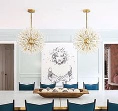 Modern Dining Tables brings you exquisite dining room designs with a modern lighting design chosen by Elle Décor. Lighting design is important in a dining room. Elle Decor, Lantern Designs, Beverly Hills Houses, Modern Lighting Design, Large Chandeliers, Linear Chandelier, Circa Lighting, Interior Decorating, Interior Design