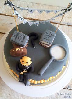 Poirot-themed cake.