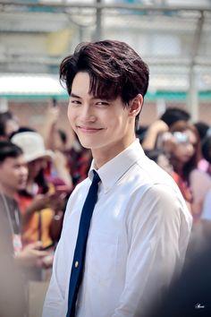 Cute Asian Guys, Theory Of Love, Thai Drama, Cute Gay, Series Movies, My Crush, Winwin, Bright, Male Beauty