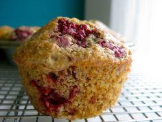 raspberry oat bran muffins
