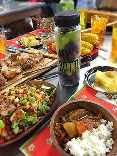 キャンプ飯 Camping Meals, Outdoor Cooking, Campsite, Picnic, Menu, Cooking Recipes, Dishes, Ethnic Recipes, Party