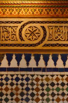 Legno, stucco, ceramica