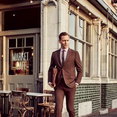 Tom Hiddleston-0317-GQ-FATH06-01.jpg