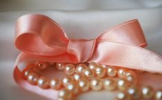 Build A New Fashion Style This Season Wearing Pink Pearl Bracelets