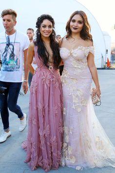 Vanessa Hudgens & Stella Hudgens  attend the 2015 Video Music Awards - August 30